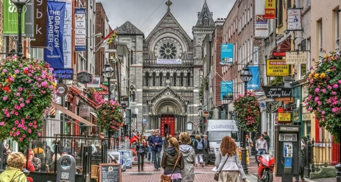Heroic Dublin woman saves elderly man's life after he suffers stroke in street