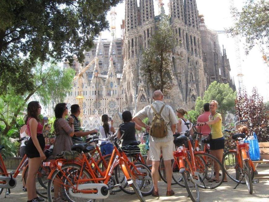 Barcelona-Highlights-Bike-Tour-12