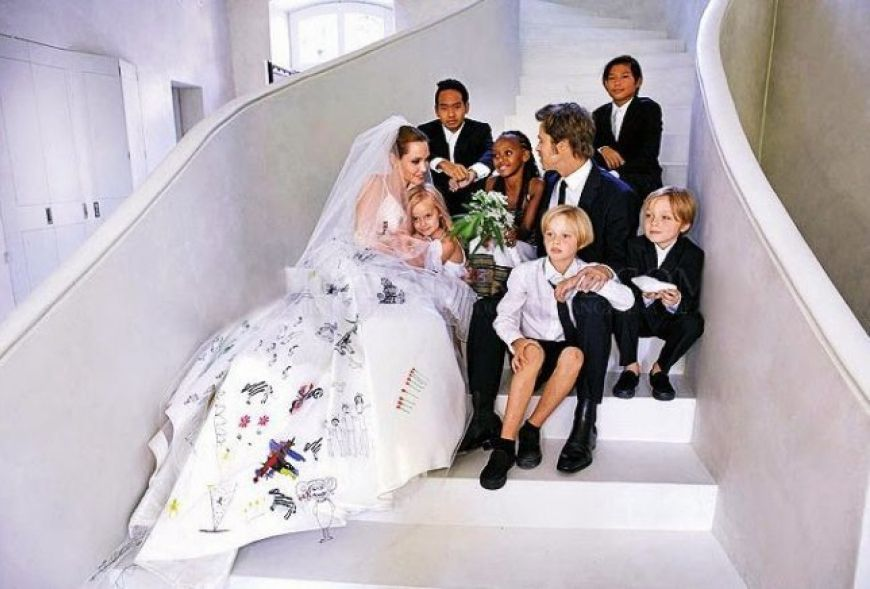 Brad Pitt Angelina Jolie Wedding Photo 1 645X436