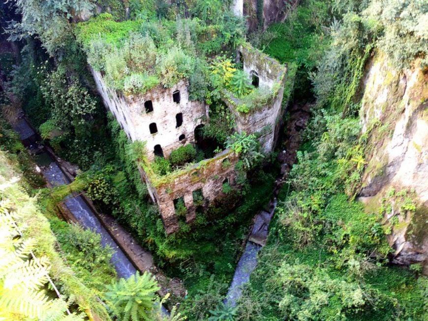 Il-Vallone-dei-Mulini-Naples-Italy
