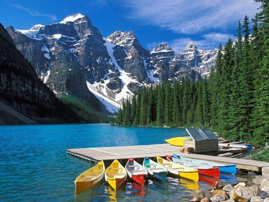 Moraine-Lake-Lodge-in-Banff-AB-Canada