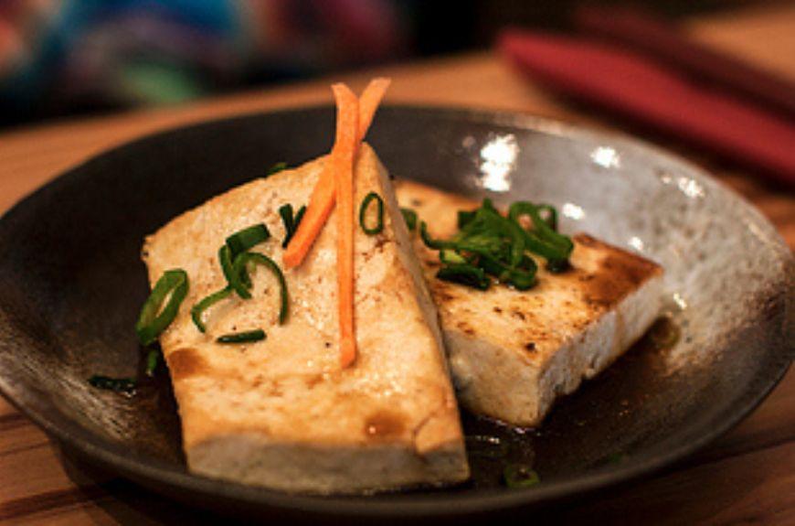 Tofu-steak-at-Itadaki-Zen