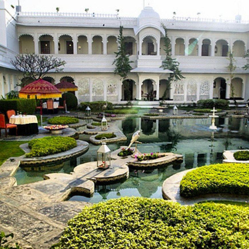Taj-Lake-Palace-in-Rajasthan-India2