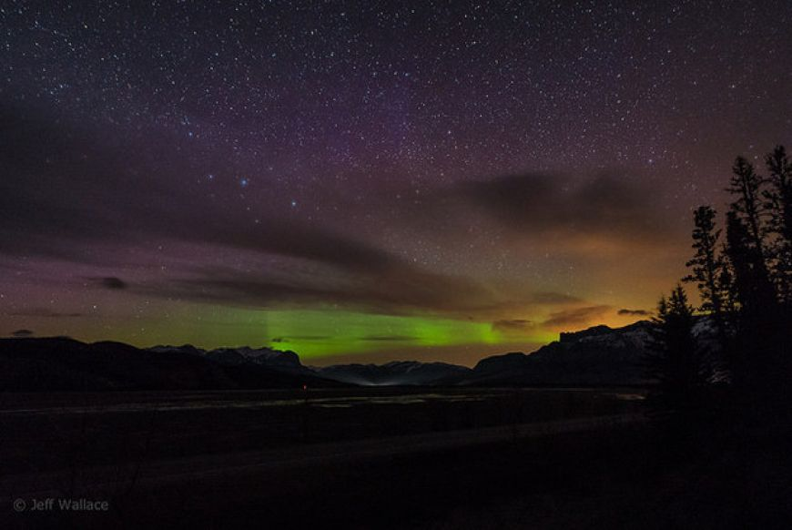 You-can-see-the-breathtaking-Northern-Lights-from-Jasper-AB