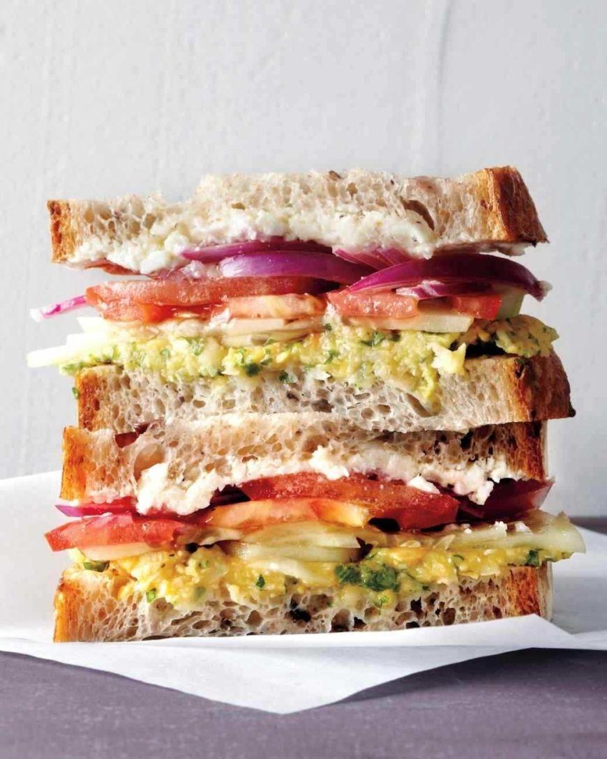 med106560 0311 sandwich greek vert
