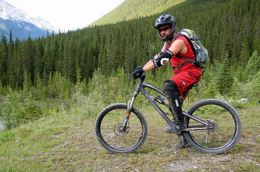the-Rockies-offer-some-great-biking-excursions