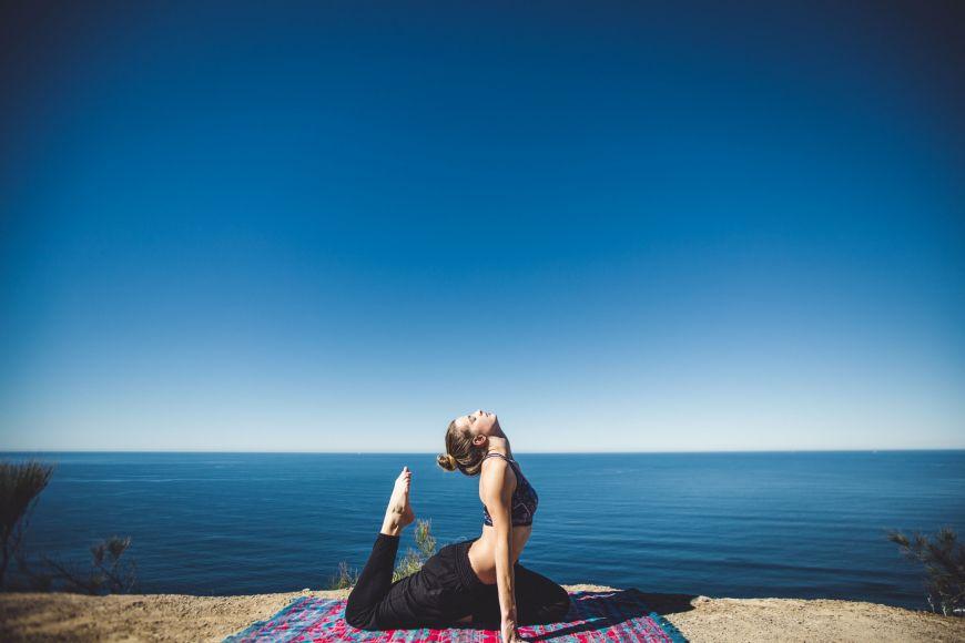 Yoga Sea Matthew Kane 94147 Unsplash