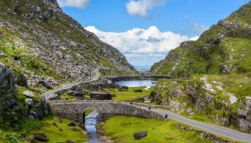 This Is The Perfect Irish Road Trip To Take With Friends This Weekend