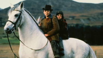 'Into The West' will be on TV on Christmas Day and that's your festive telly sorted