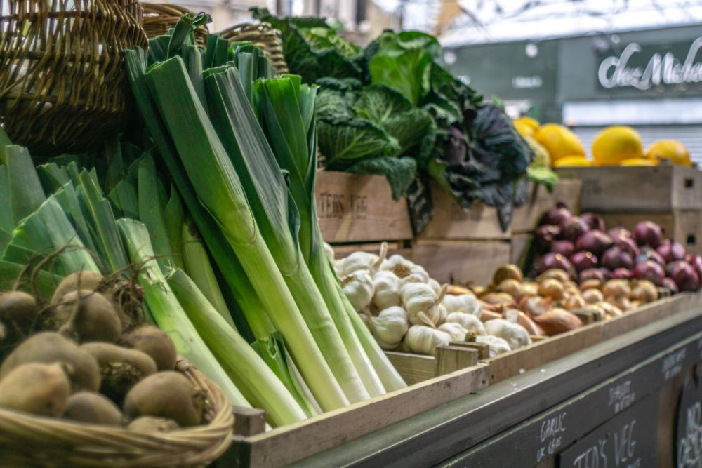 sustainable shopping in 2020 - loose fruit and veg