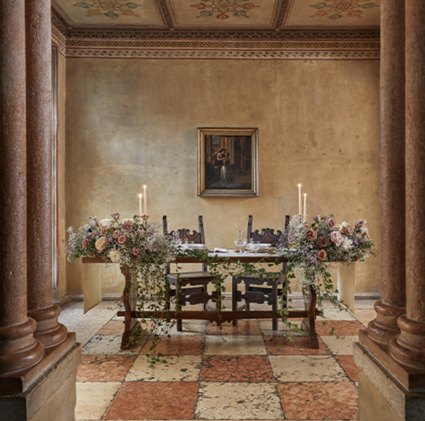 Dining room in Juliet's house