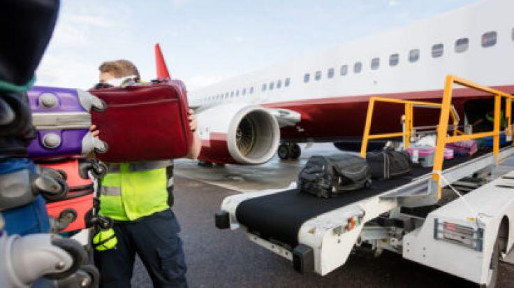 Baggage Handler Filmed Stealing From Ryanair Passenger's