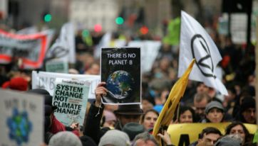 Extinction Rebellion Is Urging People To Email Their Local TD – Here's What You Need To Know
