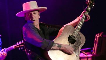 Kiefer Sutherland's anecdote may not be fully true...