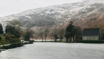 Snow begins falling in Ireland ahead of frosty night around the country