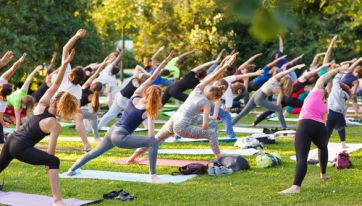 Free Yoga Classes Will Be Running In Merrion Square Every Monday This Summer