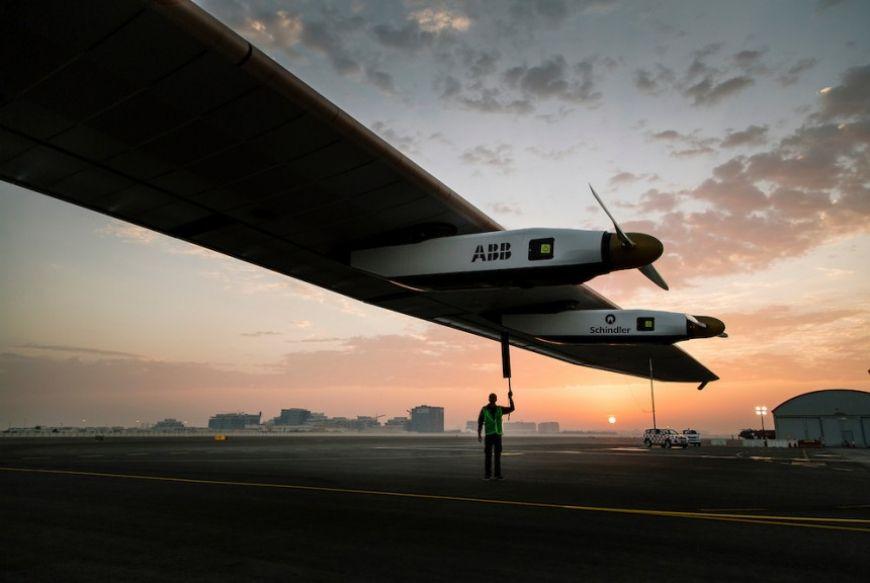 Runway Solar Impulse 2 Abu Dhabi 06