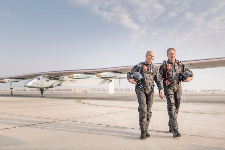 Runway Solar Impulse 2 Abu Dhabi 02