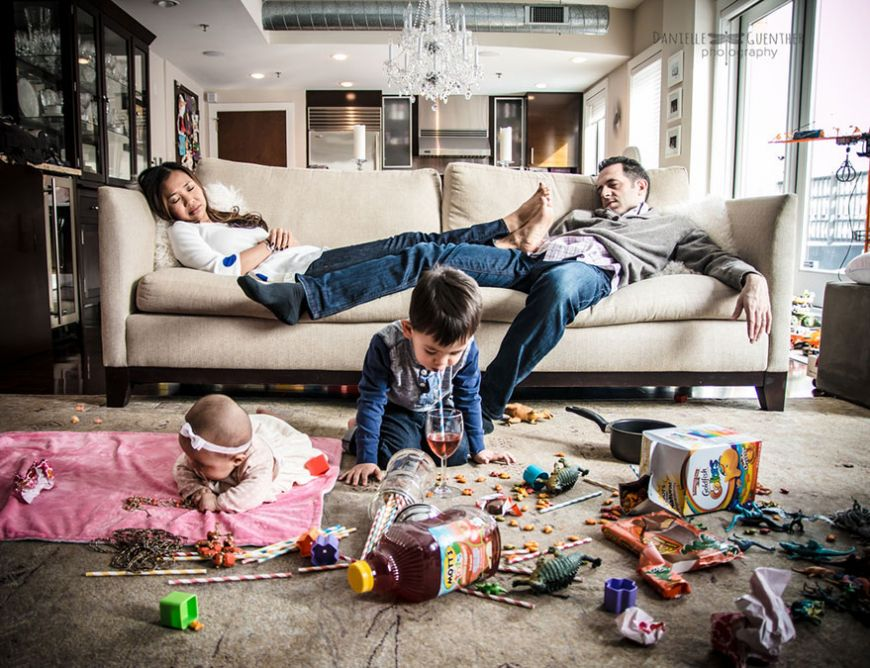 best-case-scenario-realistic-family-chaotic-photography-danielle-guenther-11  880