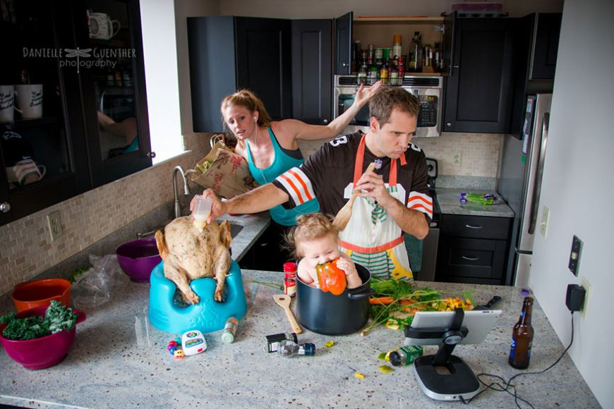 best-case-scenario-realistic-family-chaotic-photography-danielle-guenther-2  880