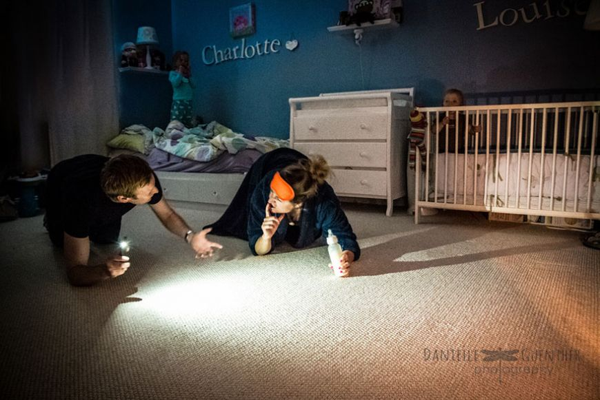 best-case-scenario-realistic-family-chaotic-photography-danielle-guenther-5  880