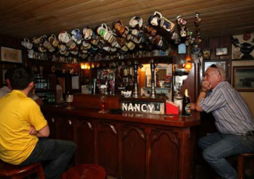 Nancys Bar 06