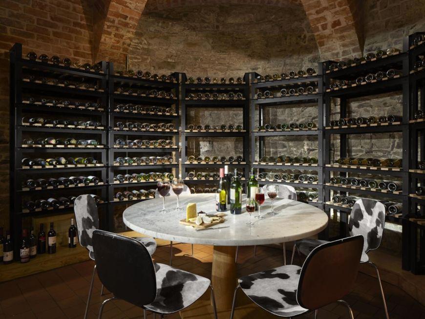 Wine Goose Cellar Bar
