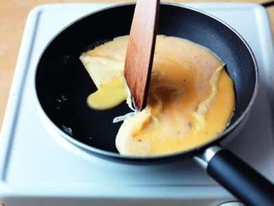 Omelette Step 1