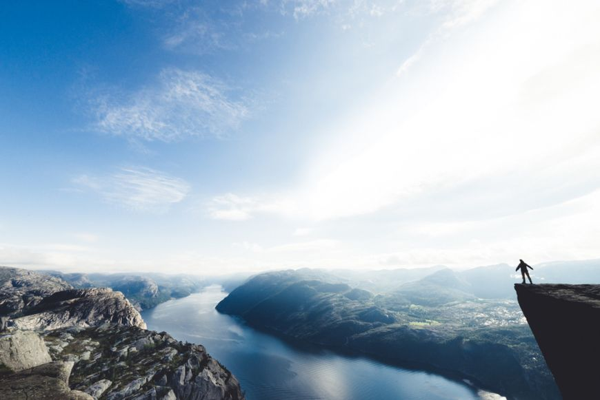 Base-Jumping-off-Kjerag-Mountain-in-Lysefjord-Norway1