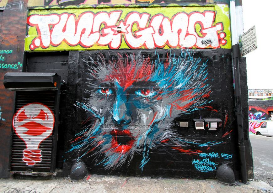 By-French-graffiti-artist-Monsieur-Plume-in-Long-Island-City-Queens
