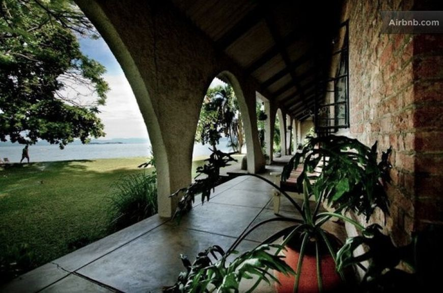 Malawi-African-Dream-Lake-House