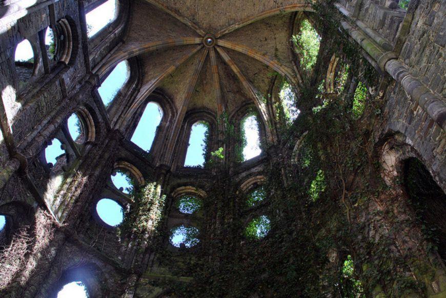 Ruins-of-Villers-la-Ville-Belgium