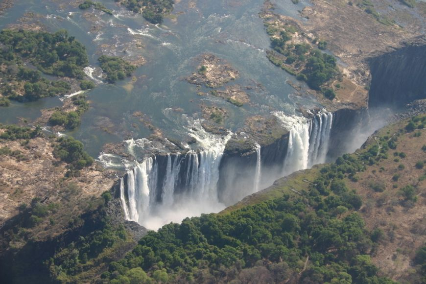 Victoria-Falls-bordering-Zimbabwe-and-Zambia-in-Africa