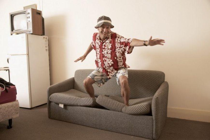 couchsurfer1-580x386