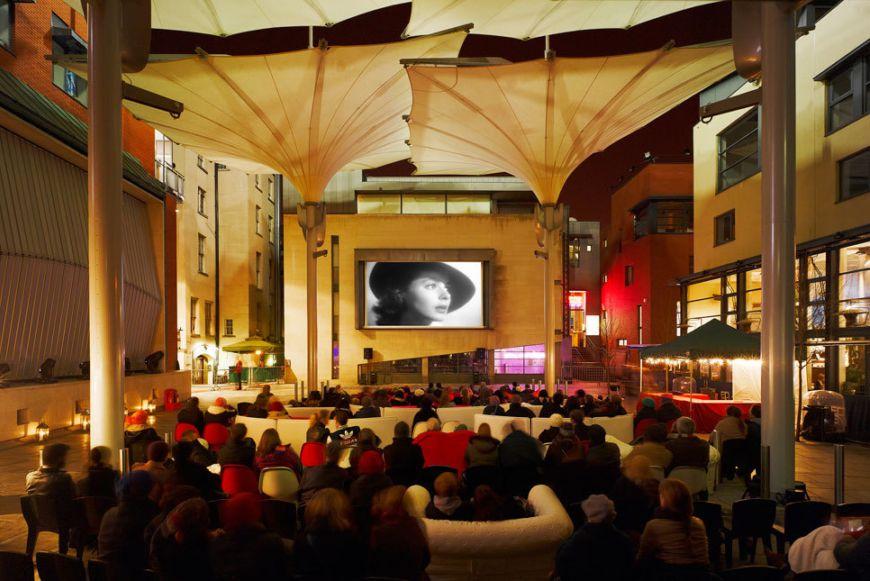 Feature Cinema