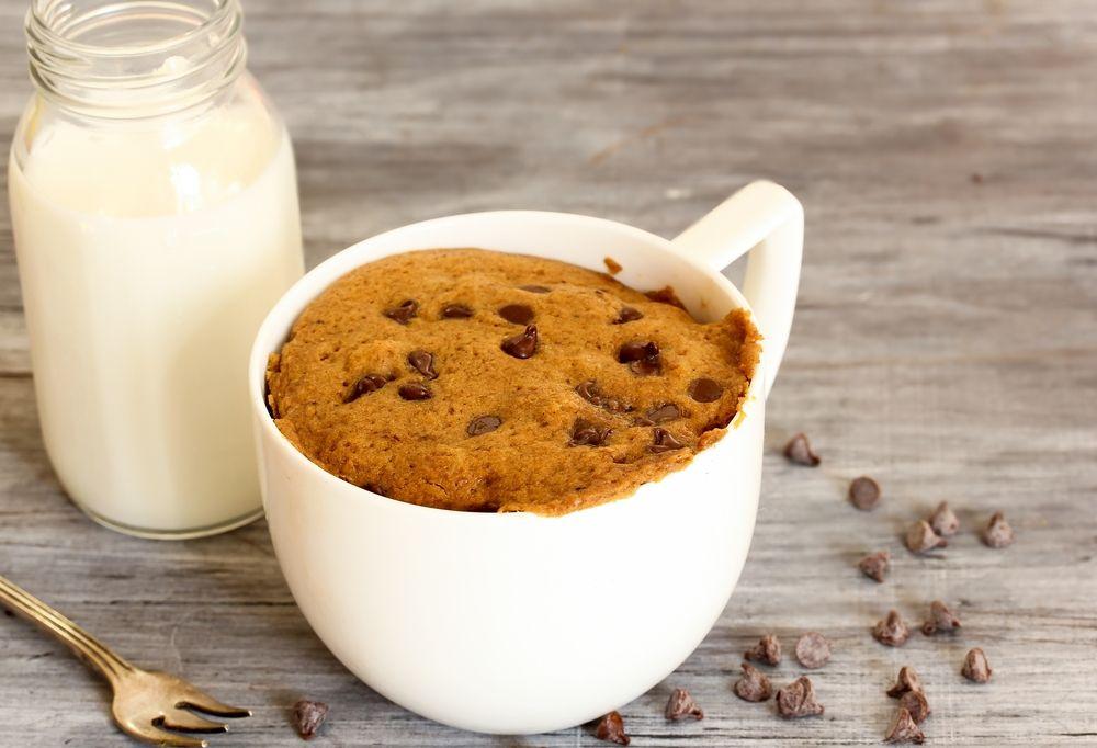 one minute cookie in a mug