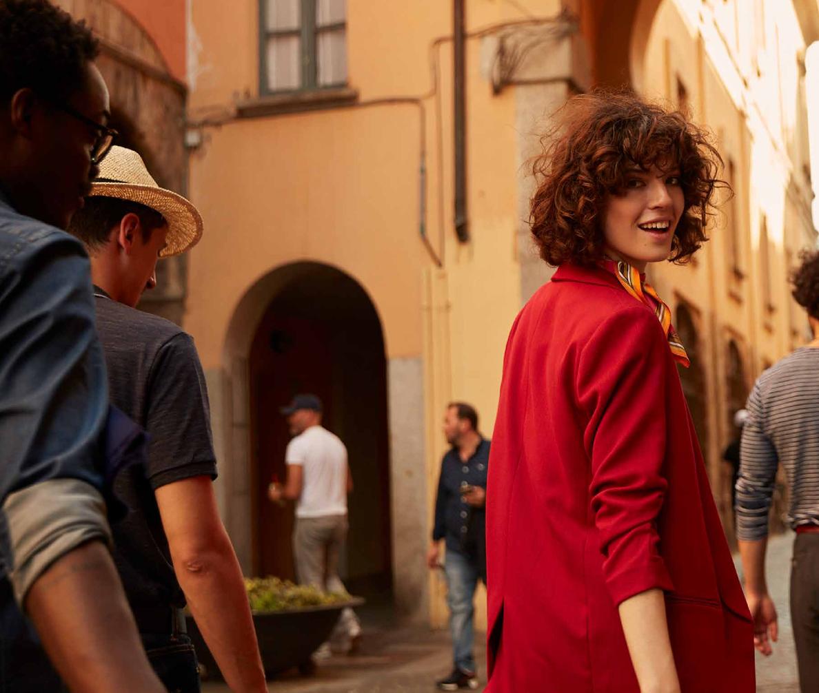 What is La Passeggiata? The Italian tradition we're adopting