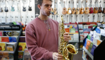 Learning the saxophone in just 10 weeks... This was day one