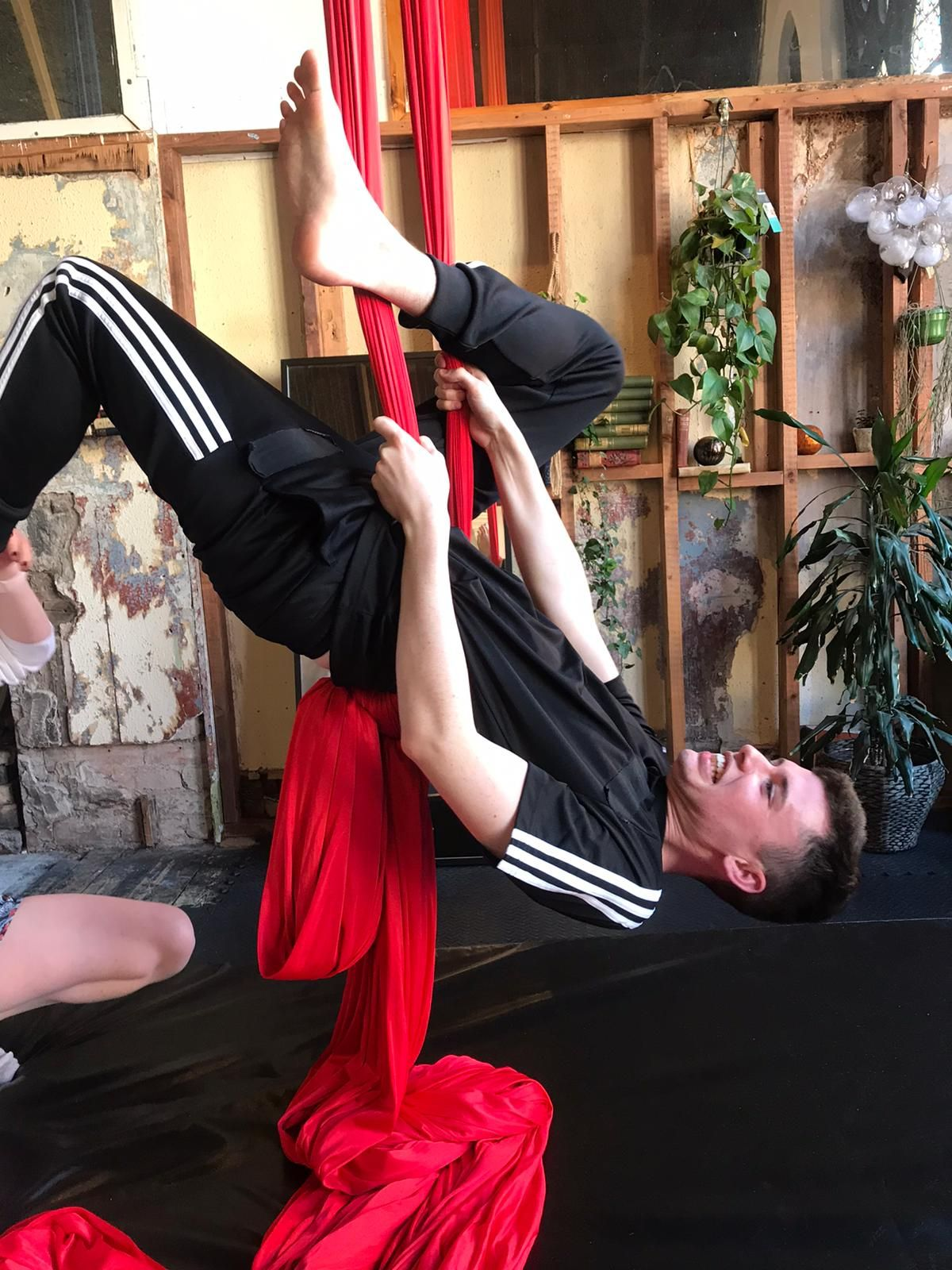 upside down aerial cirque