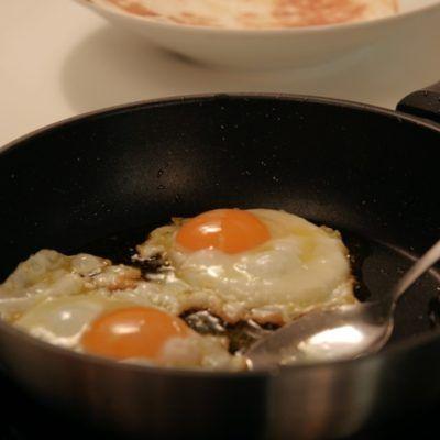 4 Eggs1