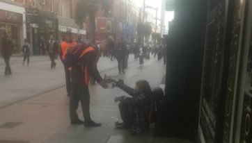 Dublin Man Captures Amazing Act Of Kindness From Homeless Man On Henry Street