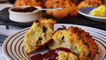 Never Mind Enda's Scones... This Is How You Make Rock Cakes