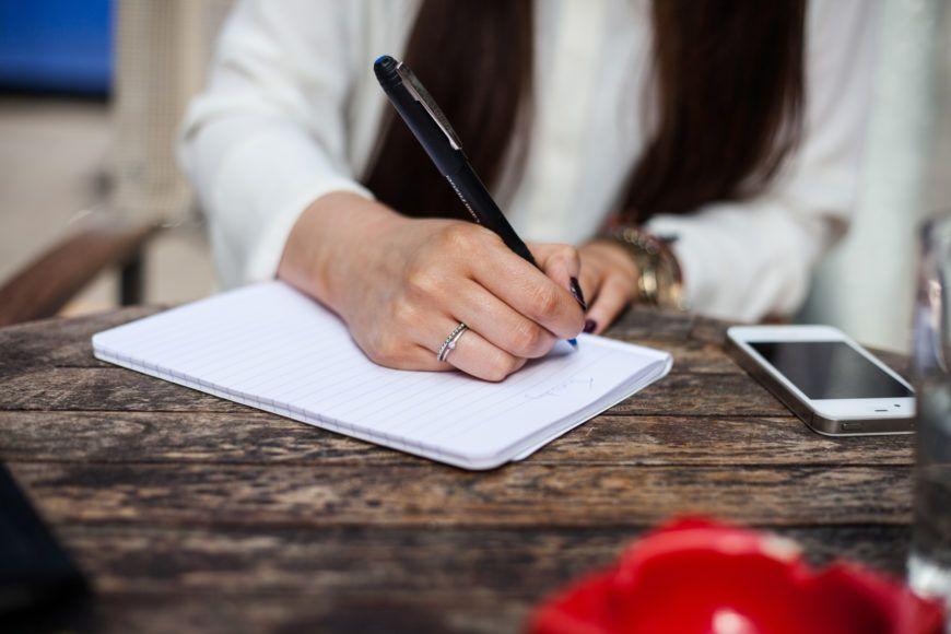 Woman-Writting-1
