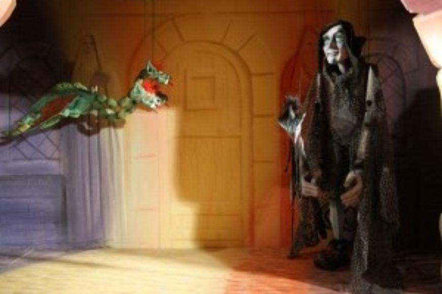 8-Wax-Museum-puppets
