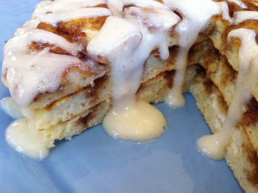 Cinnamon-Roll-Pancakes-9