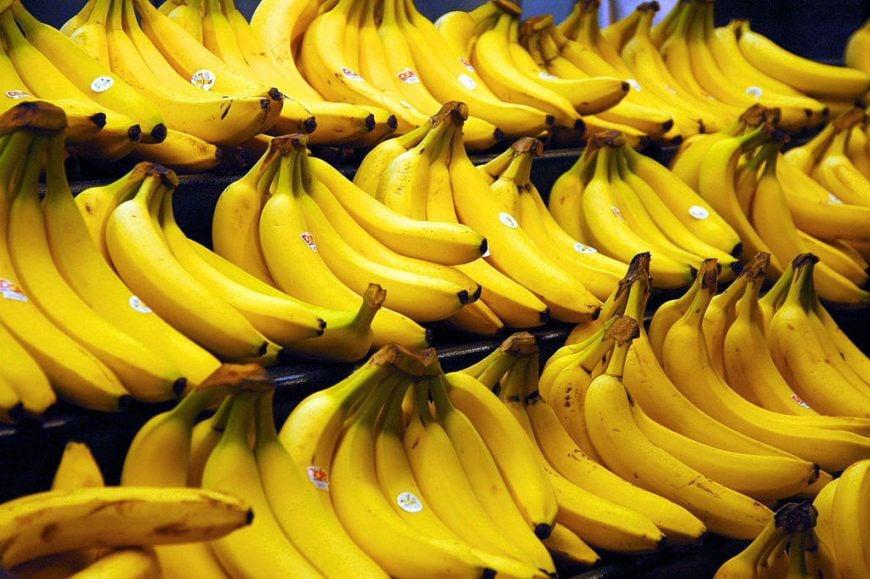 1024px-Bananas