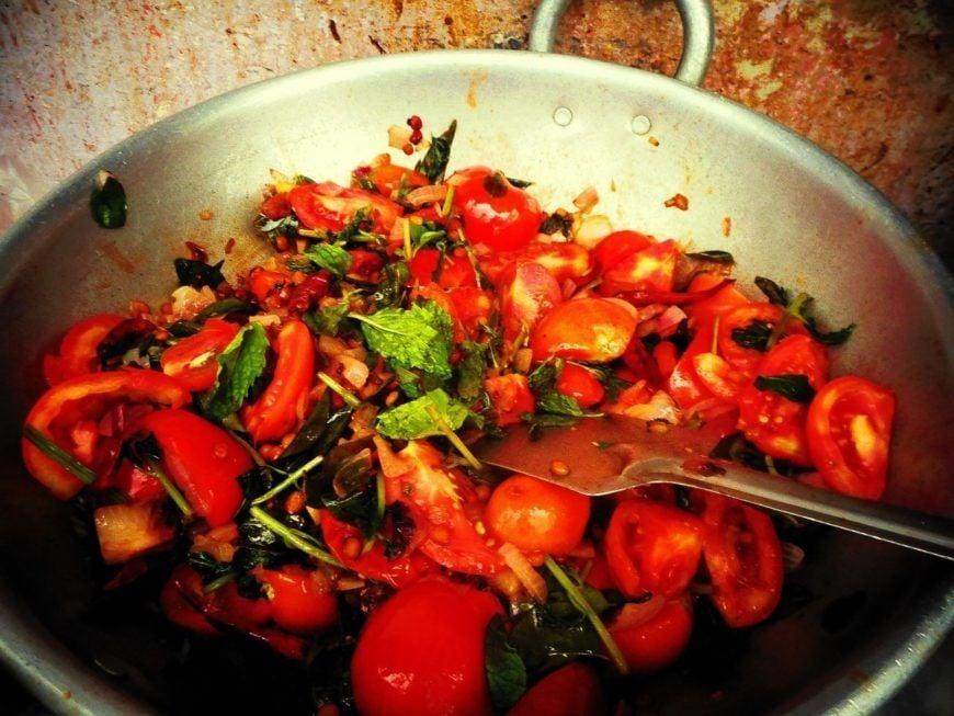 2.-frying-tomato