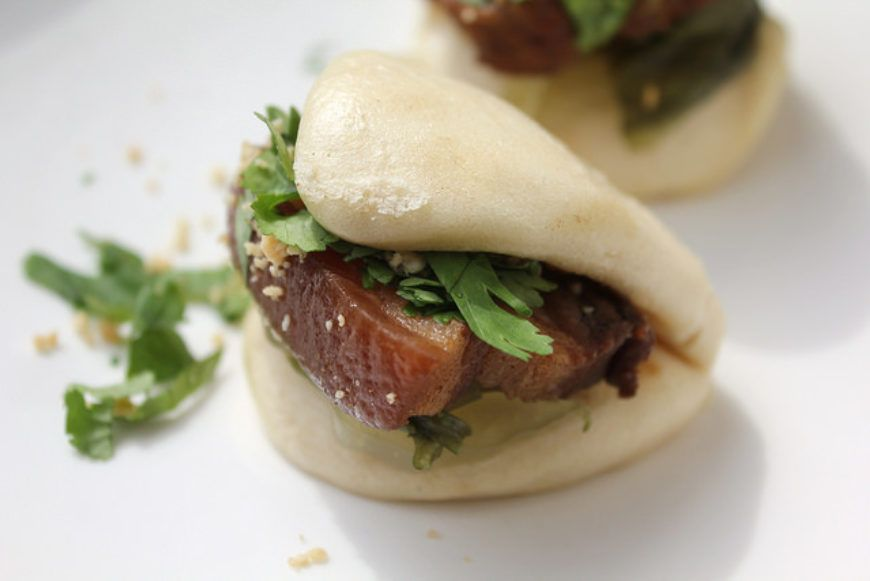 20140324-taiwaneats-porkbellybuns-finished