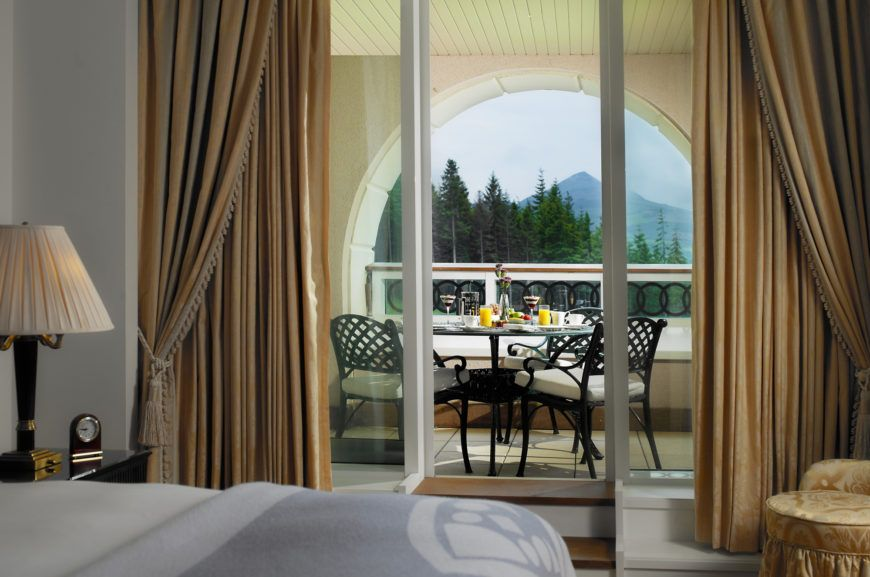 Mountain-View-Suite