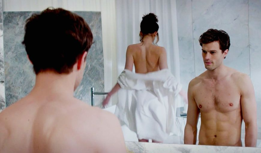 holding-fifty-shades-of-grey 2